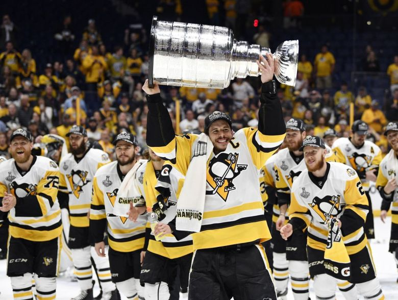 cropped_2017-06-12T033440Z_492740522_NOCID_RTRMADP_3_NHL-STANLEY-CUP-FINAL-PITTSBURGH-PENGUINS-AT-NASHVILLE-PREDATORS.jpg